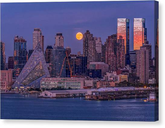 Hunter's Moon Over Ny Canvas Print