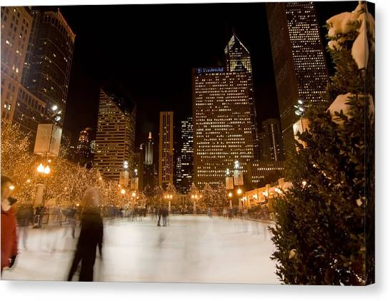 Ice Skaters And Chicago Skyline Canvas Print
