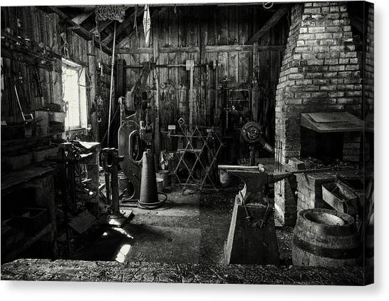 Canvas Print featuring the photograph Idle Bw by David Buhler