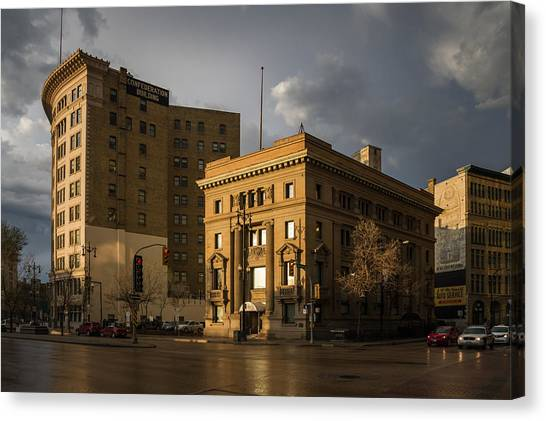 Imperial Bank Of Canada/confederation Building Canvas Print by Bryan Scott