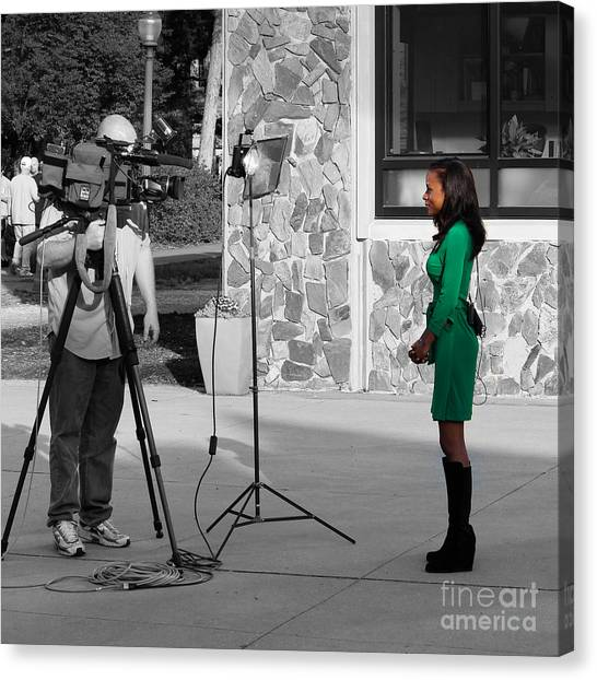 Alpha Kappa Alpha Canvas Print - In Green And Behind The Scene by Robert Yaeger