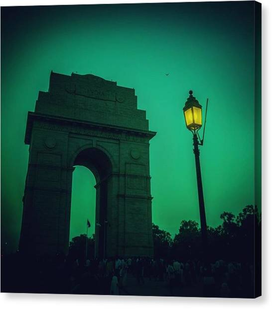 Soldiers Canvas Print - #incredibleindia #india #indiagate by Vikas Rathee