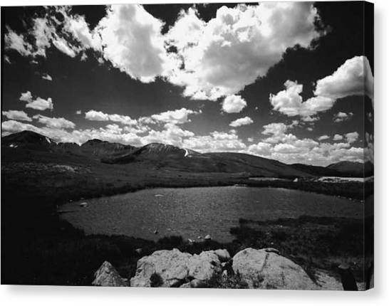 Independence Pass Colorado Canvas Print by Susan Chandler