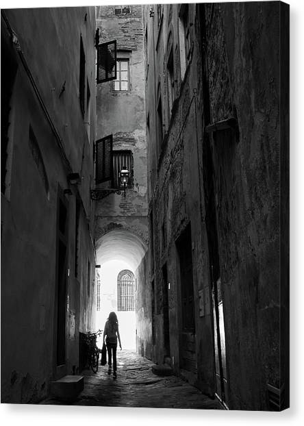 Into The Light, Florence, Italy Canvas Print