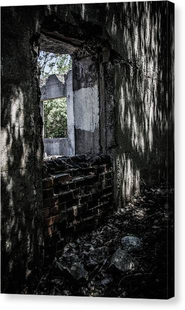 Into The Ruins 4 Canvas Print
