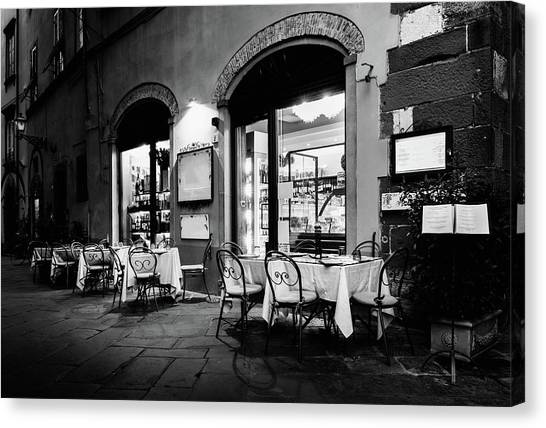 Italian Restaurant In Lucca, Italy Canvas Print