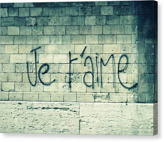 Graffiti Walls Canvas Print - Je T'aime by Will Grant