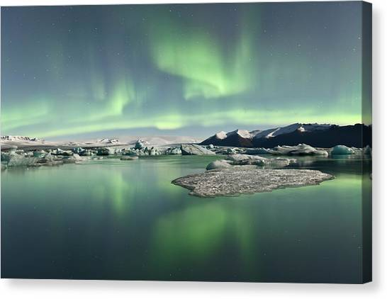 Jokulsarlon Lagoon Aurora Borealis Canvas Print by Reed Ingram Weir