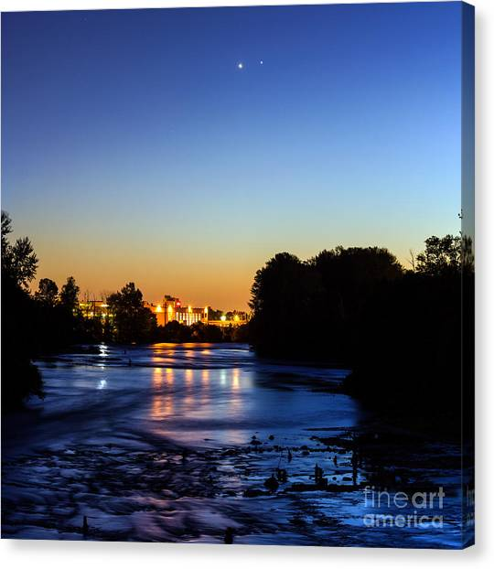 Jupiter And Venus Over The Willamette River In Eugene Oregon Canvas Print