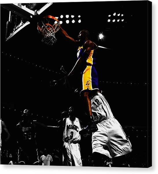Dwight Howard Canvas Print - Kobe Bryant On Top Of Dwight Howard by Brian Reaves