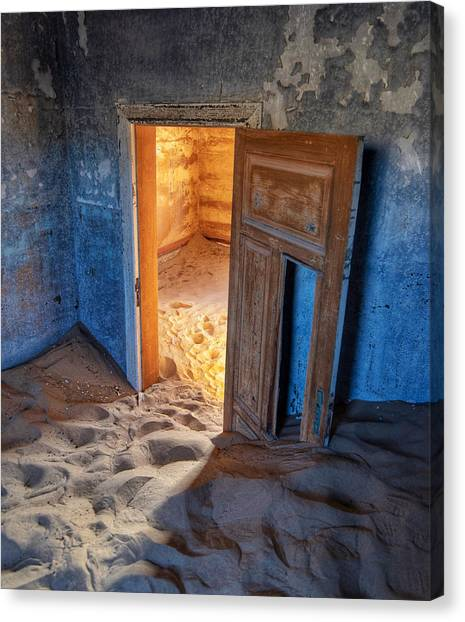 Canvas Print featuring the photograph Kolmanskop by Rand