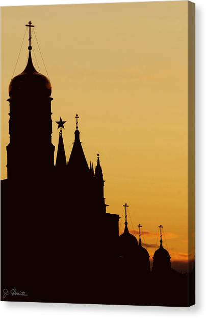 Kremlin Dusk Canvas Print by Joe Bonita
