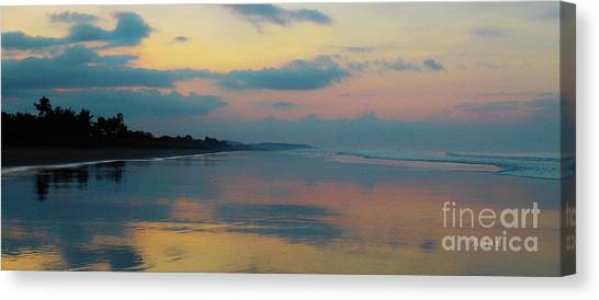 la Casita Playa Hermosa Puntarenas - Sunrise One - Painted Beach Costa Rica Panorama Canvas Print