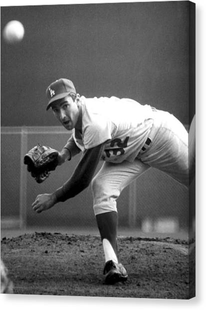 History Canvas Print - L.a. Dodgers Pitcher Sandy Koufax, 1965 by Everett
