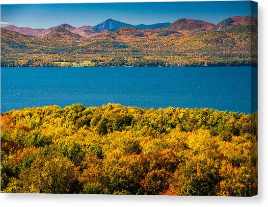 Lak Champlain In Autumn Canvas Print by Robert Davis