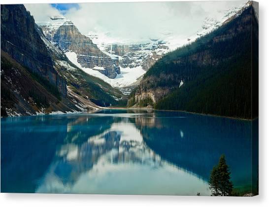 Lake Louise 1783  Canvas Print by Larry Roberson