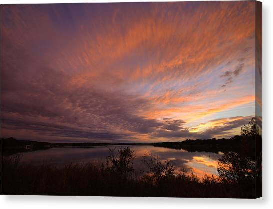 Canvas Print featuring the photograph Lake Moss 2504b by Ricardo J Ruiz de Porras