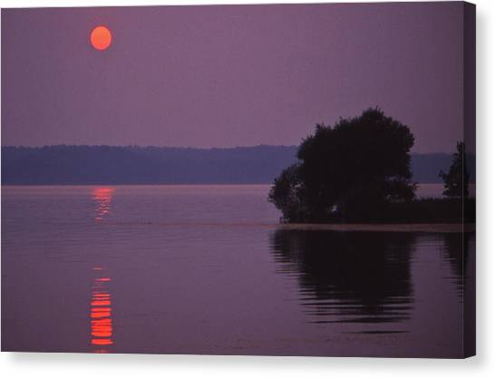 Land-between-the-lakes Sunset - 1 Canvas Print by Randy Muir