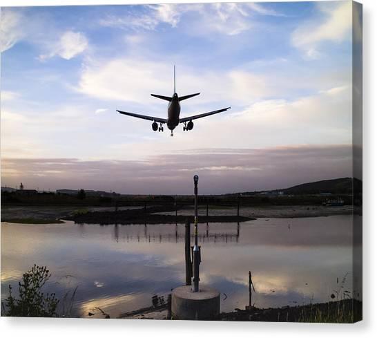 Landing In George Best Canvas Print