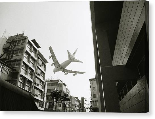 Landing In Hong Kong Canvas Print