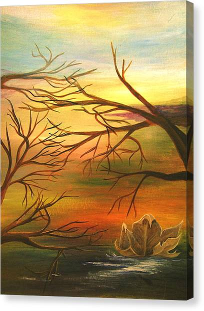 Last Leaf Of Fall Canvas Print by Vivian  Mosley