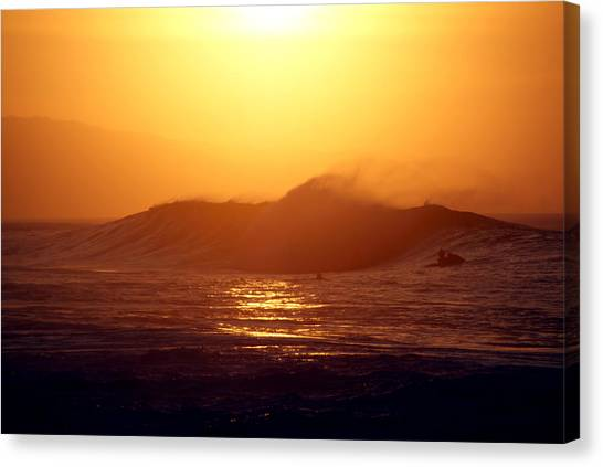 Sleeping Giant Canvas Print - Last Wave by Kevin Smith