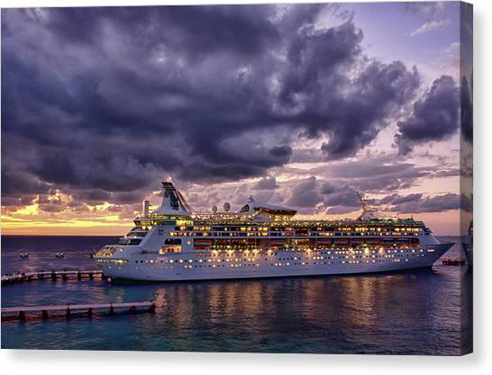 Late Arrival In Cozumel Canvas Print