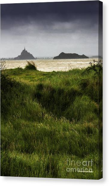 Le Mont Saint-michel Et Tombelaine Canvas Print