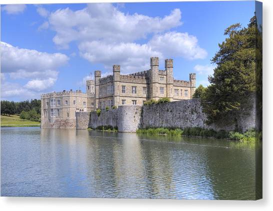 Flu Canvas Print - Leeds Castle - England by Joana Kruse