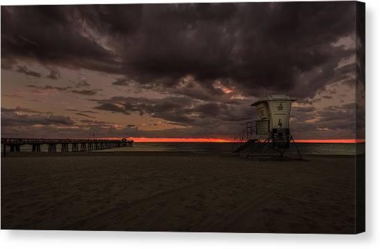Lifeguard Tower At Sunrise Canvas Print
