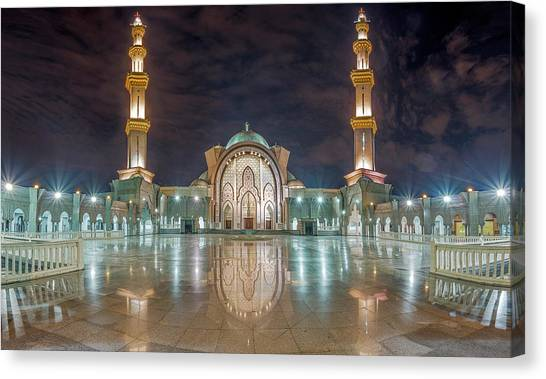 Canvas Print featuring the photograph Lighted Federal Territory Mosque  by Pradeep Raja Prints