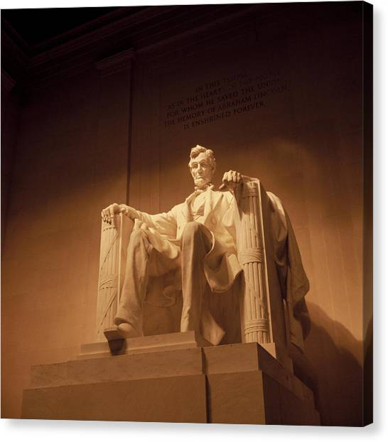 Lincoln Canvas Print - Lincoln Memorial by Gene Sizemore