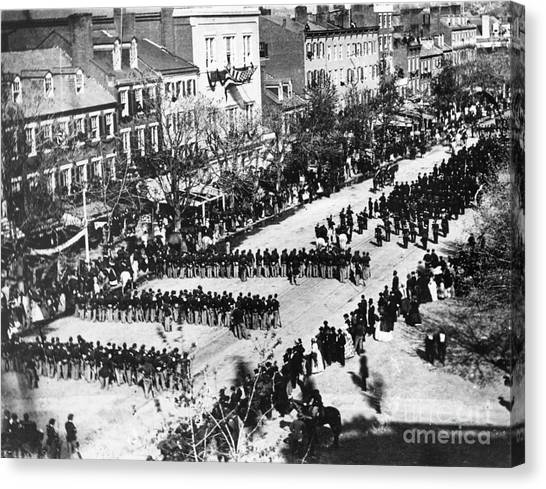 Detention Canvas Print - Lincolns Funeral Procession, 1865 by Photo Researchers, Inc.