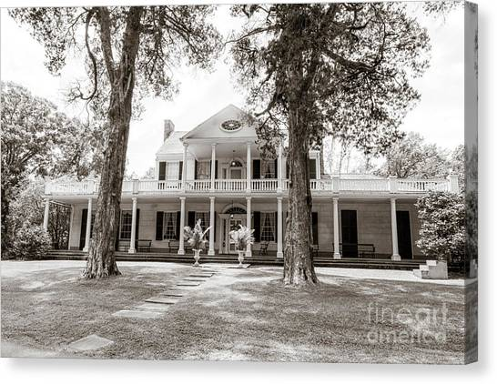Gone With The Wind Canvas Print - Linden Historic House In Natchez by Patricia Hofmeester