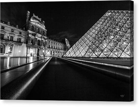 Le Louvre Canvas Print - Lines Of The Louvre by Everet Regal