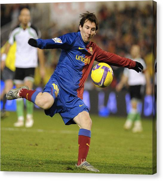 Lionel Messi Canvas Print - Lionel Messi by Rafa Rivas