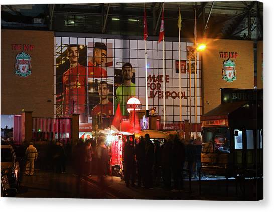 Liverpool Fc Canvas Print - Liverpool Uk 17th October 2016. Stalls Selling Scarves Outside Liverpool Football Club's Stadium At A Nightime Game by Ken Biggs