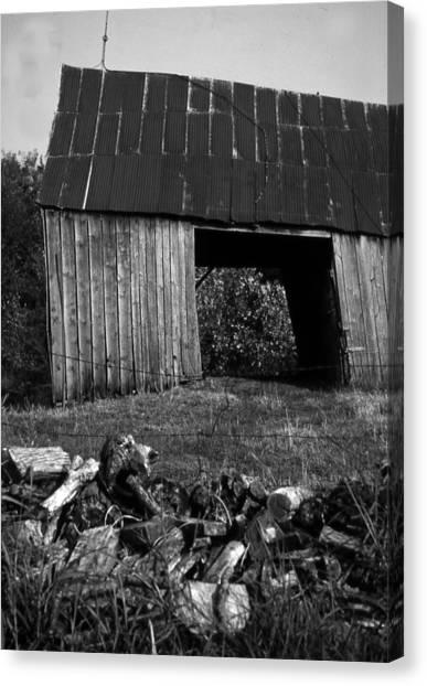 lloyd-shanks-barn-2BW Canvas Print by Curtis J Neeley Jr