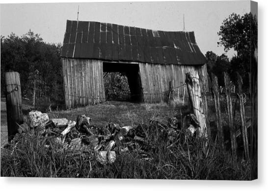 Lloyd-shanks-barn-4 Canvas Print by Curtis J Neeley Jr