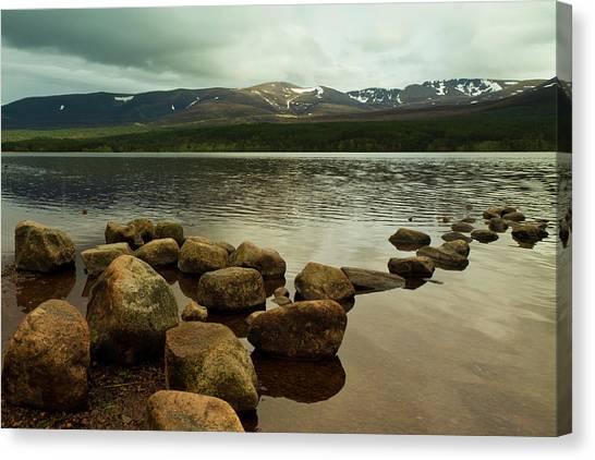 Loch Morlich And The Cairn Gorms Canvas Print by Bill Buchan