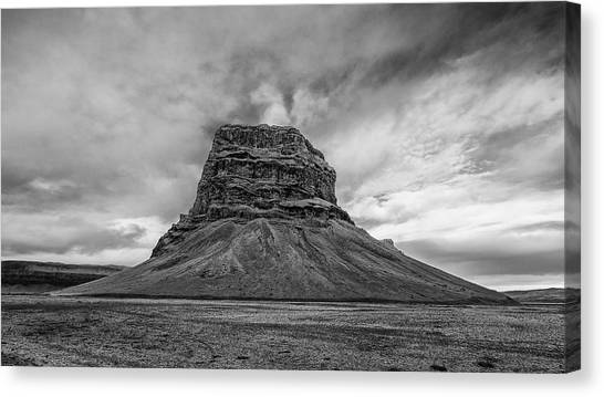 Canvas Print featuring the photograph Lomagnupur by James Billings