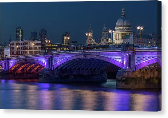 Sightseeing Canvas Print - Londons Railway Bridge by Capt Gerry Hare