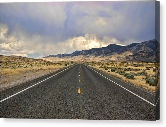 Lonesome Highway Canvas Print by Nick Roberts