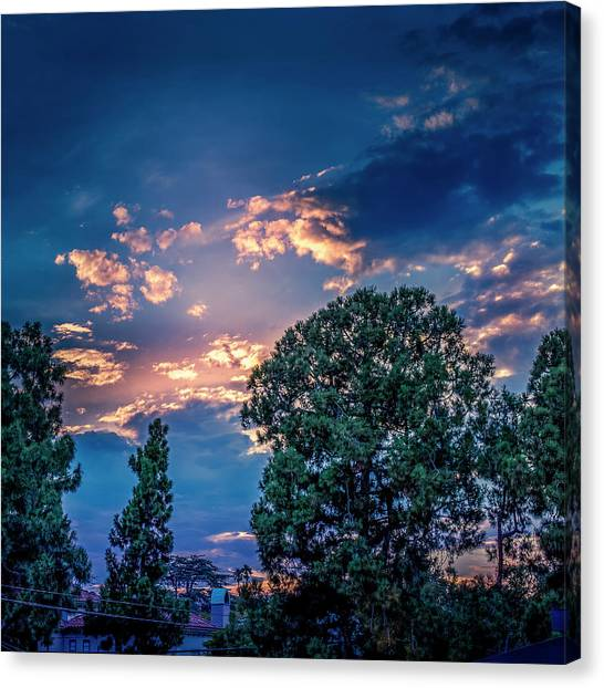 Looking West At Sunset Canvas Print