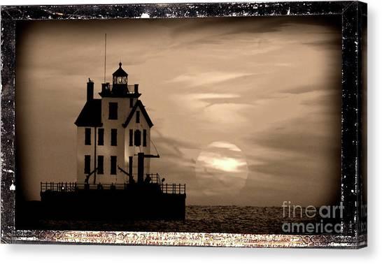 Lorain Lighthouse - Lake Erie - Lorain Ohio Canvas Print