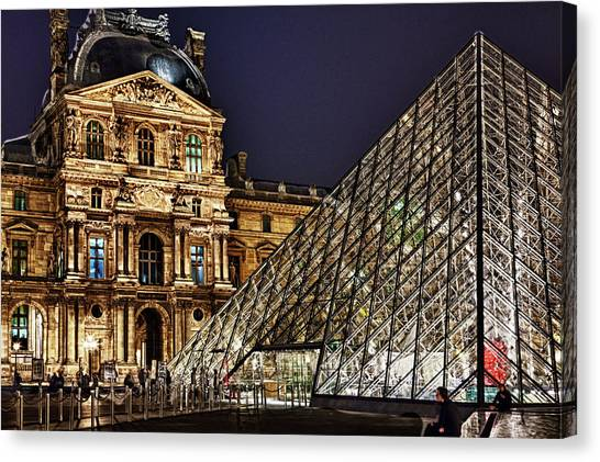 Louvre By Night I Canvas Print