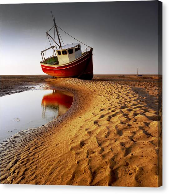 Low Tide Canvas Print - Low Tide by Peter OReilly