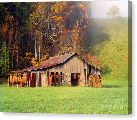 Lowes Barn Canvas Print