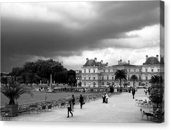 Luxembourg Gardens 2bw Canvas Print