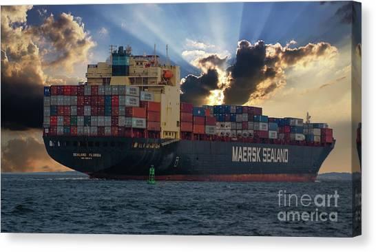 Maersk Sealand Leaving Charleston South Carolina Canvas Print